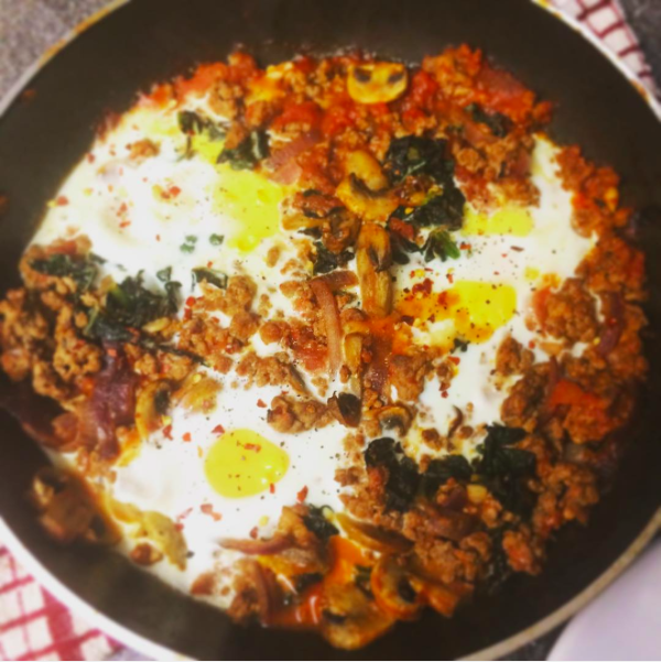 Bolognase baked eggs